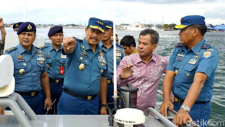 Wakil KSAL Tinjau Dermaga Breakwater Lantamal VI dan MNP