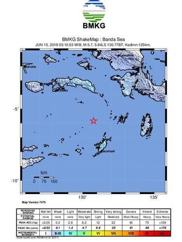 Gempa di Laut Banda.