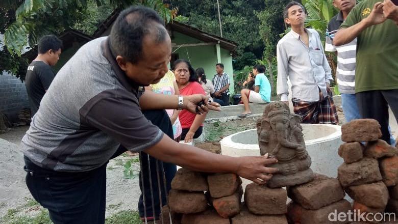 Warga Kediri Temukan Arca Ganesha Saat Gali Pondasi Rumah