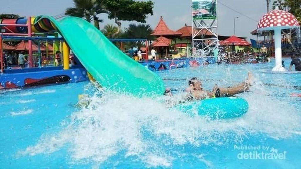 Main Basah-basahan di Purbalingga, Coba Water Park Owabong