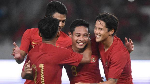 Evan Dimas mencetak dua gol untuk Timnas Indonesia melawan Vanuatu.