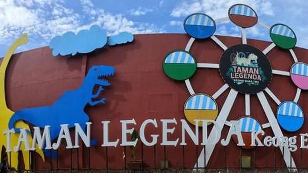Memutar Waktu di Taman Legenda Keong Mas