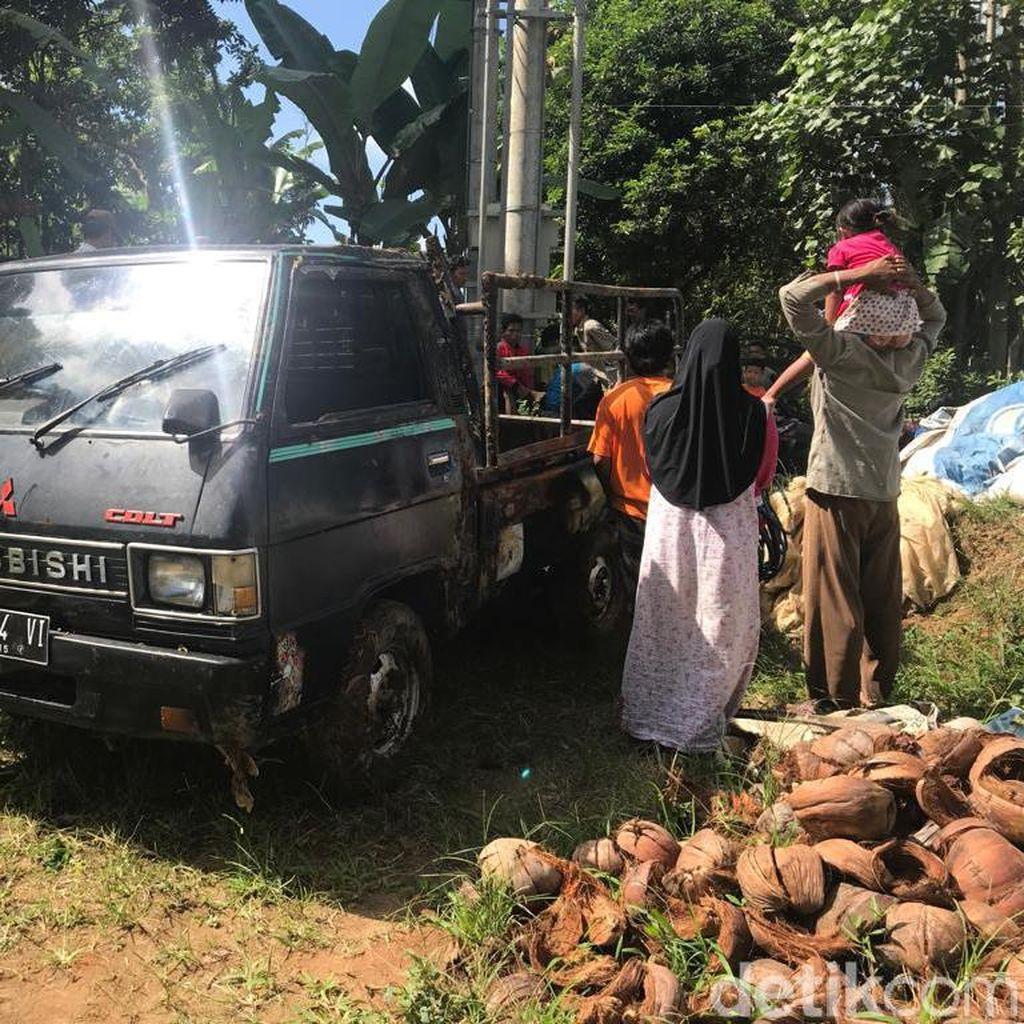 Pikap Angkut 9 Orang Nyemplung Sungai di Jember, Satu Tewas