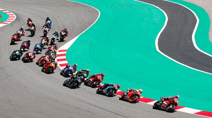 Marc Marquez memenangi MotoGP Catalunya dan makin tak terkejar di puncak klasemen MotoGP (REUTERS/Albert Gea)