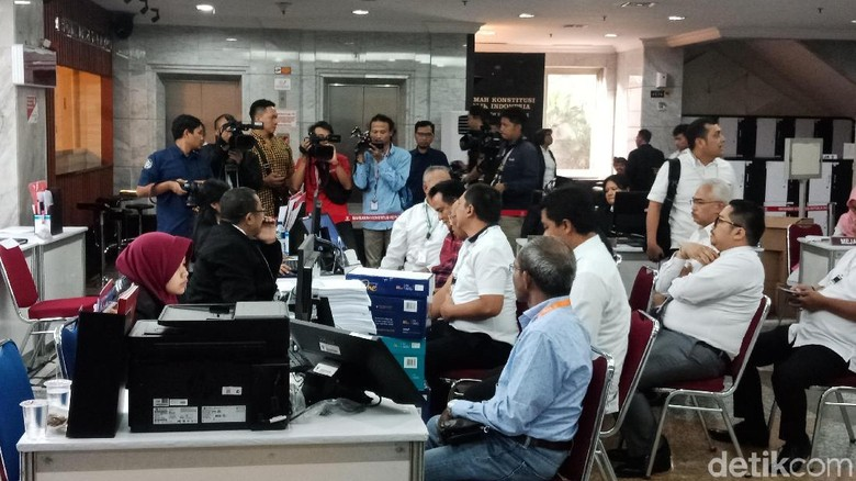 TKN Jokowi-Maruf Bawa 30 Bukti Jawaban Dalil Permohonan ke MK