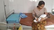 Seorang Ibu Melahirkan di Halaman Apotek di Semarang