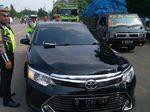 Polisi Tilang Pengemudi yang Pasang Strobo di Mobil di Jakarta Timur
