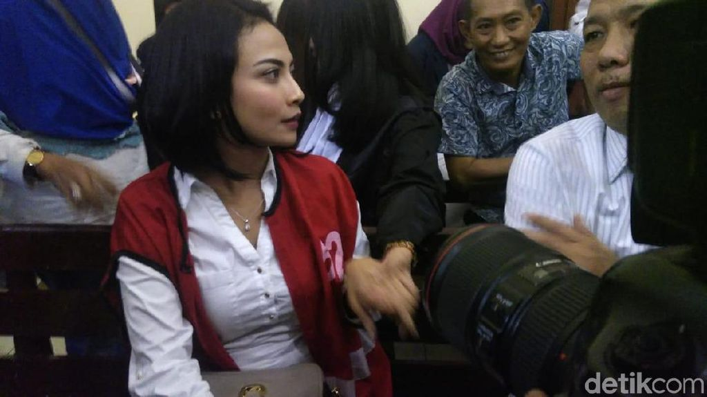 Tangis Vanessa Angel hingga Harus Jalani Hukuman Tiga Hari Lagi