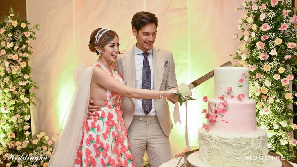 Scallop hingga Wagyu Sirloin, Menu Pertunangan Jessica Iskandar dan Richard Kyle
