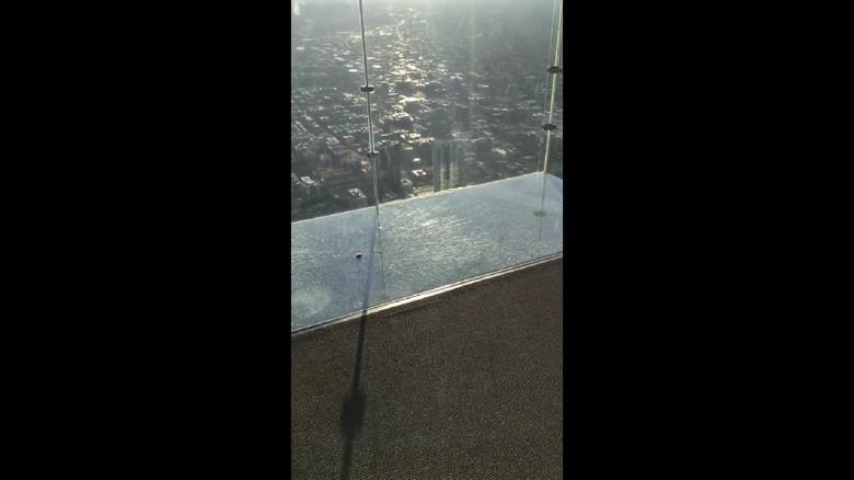 Skydeck Willis Tower Chicago, AS (Istimewa/Jesus Pintado/Facebook)