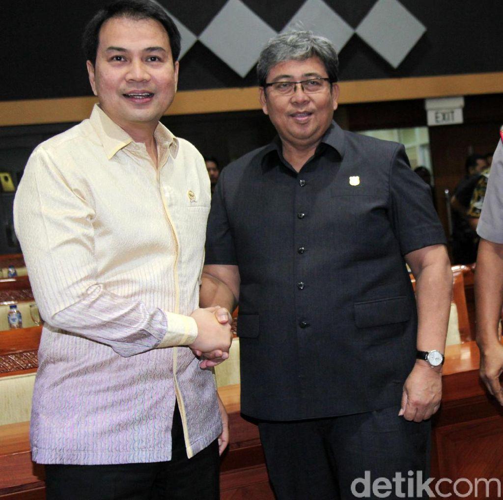 Dilantik Jadi Ketua Komisi III, Azis Syamsuddin Pimpin Rapat DPR