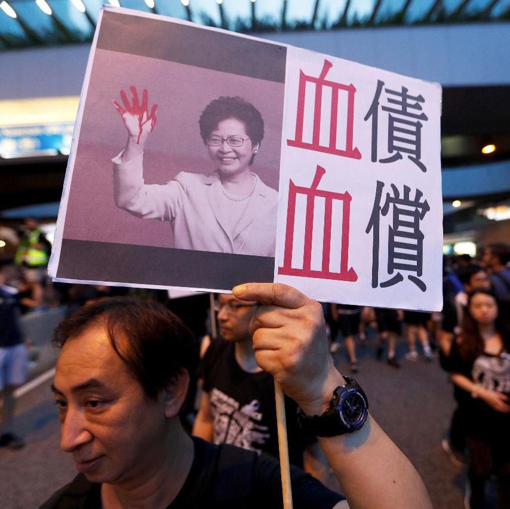 Dituntut Mundur Terkait RUU Ekstradisi, Pemimpin Hong Kong Minta Maaf
