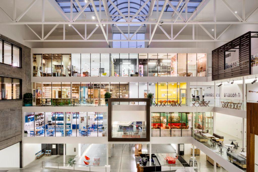 Suasana kantor pusat Airbnb di San Francisco, Amerika Serikat, yang dibuka pada tahun 2015 dalam desainnya sekarang. Foto: Office Snapshot