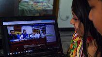 Lupa Matikan Filter Saat Live di FB, Menteri Pakistan Jadi Tertawaan