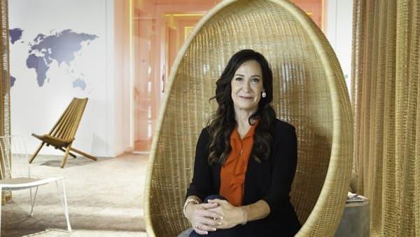 Wendy Williams dari Kanada akan membuat sejarah karena sebagai kapten wanita pertama dari sebuah kapal pesiar besar itu (Virgin Voyages/CNN)