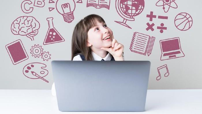 Cara agar anak aman berinternet. Foto: iStock