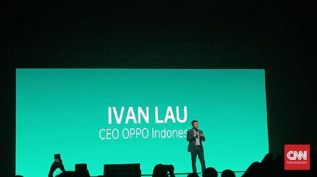 Ivan Lau, CEO Oppo Indonesia naik ke panggung untuk bercerita soal makna nama OPPO.