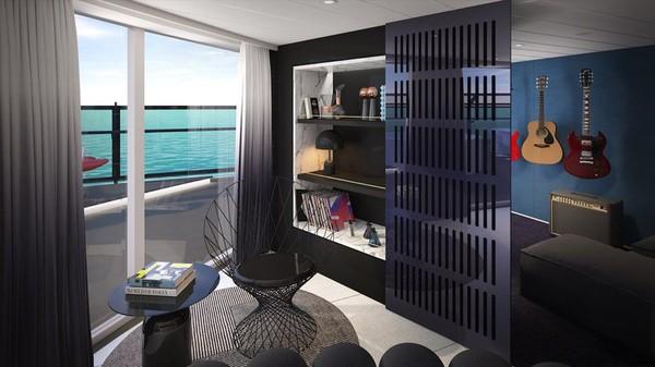 Dalam kamar mewah itu juga dilengkapi ruang musik yang diisi dengan gitar serta perlengkapan dan titik jendela pribadi khusus (Virgin Voyages/CNN)
