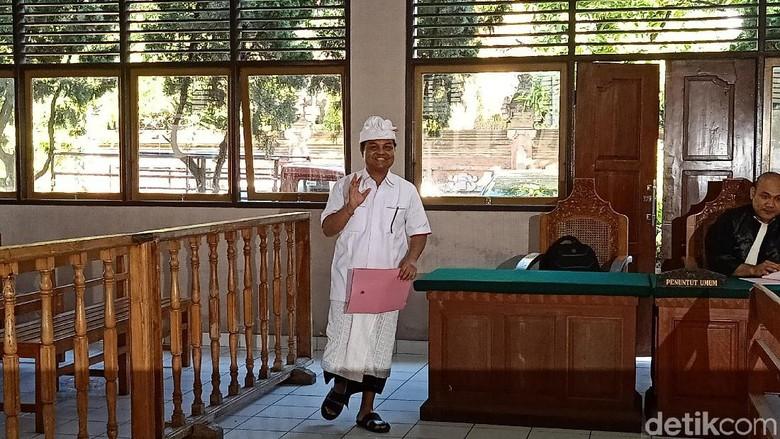 Nama Anak Mangku Pastika Disebut di Sidang Penipuan Eks Bos Kadin Bali