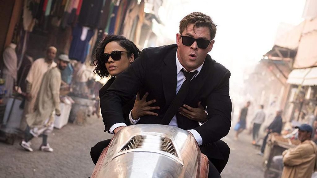 Chris Hemsworth Selamatkan Men In Black: International