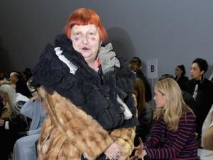 Penampilan Eksentrik Kritikus Fashion Ternama, Berani Tiru Gayanya?