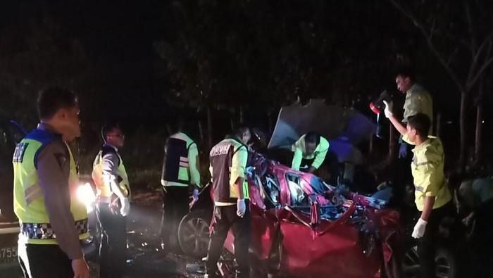 Foto: Kecelakaan beruntun di Tol Cipali tewaskan 12 orang (Dok. Istimewa)