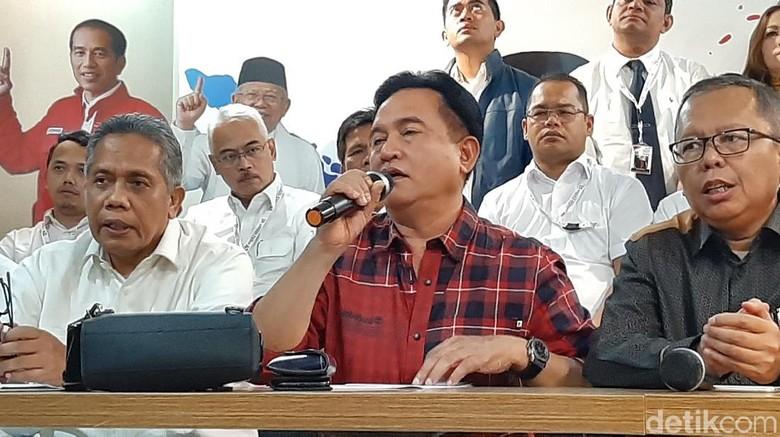 Serahkan Jawaban, Tim Hukum Jokowi Minta MK Tolak Permohonan Prabowo