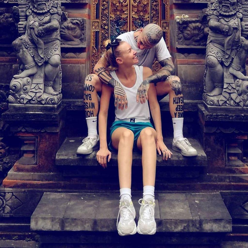 Potret Pasangan Selebgram yang Dihujat karena Minta Donasi Untuk Traveling