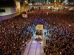 Viral, Lautan Massa Demo di Hong Kong Terbelah Demi Ambulans