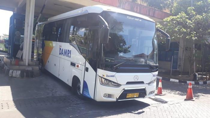 Bus Damri pengangkut penumpang YIA sampai di Terminal Giwangan, 17/6/2019