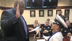 Kalahkan Kanker, Bocah 10 Tahun Dapat Kehormatan Sehari Jadi Kepala Polisi