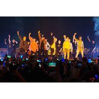 Terpesona Gantengnya Para Personel Super Junior di Konser