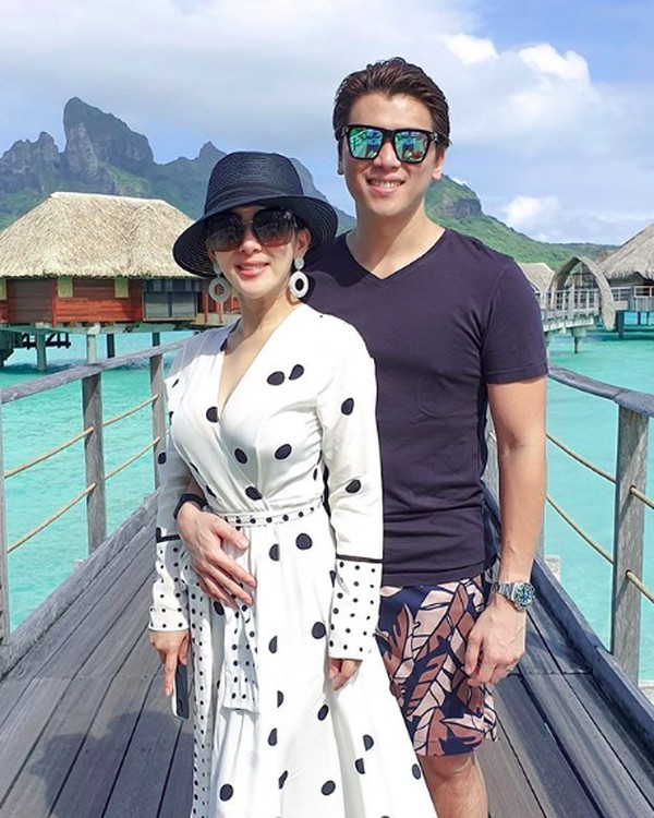 Syahrini memamerkan momen romantisnya di Instagram. (princessyahrini/Instagram)