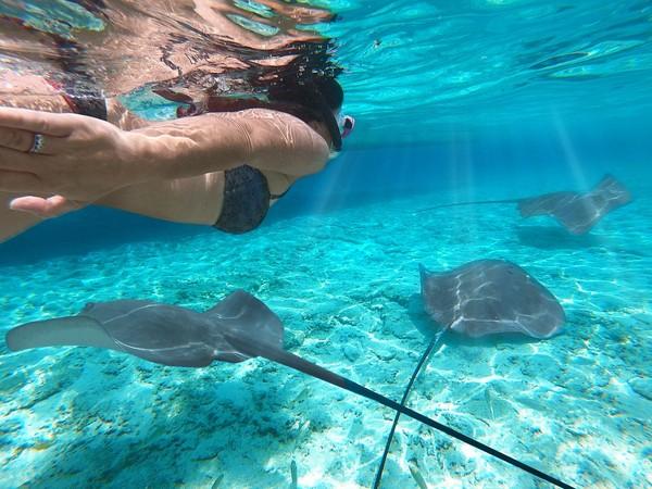 Tak afdal bila ke sini tidak berenang dan snorkling. (iStock)