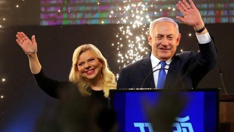 Foto: Benjamin Netanyahu dan istrinya, Sara (ABC Australia)