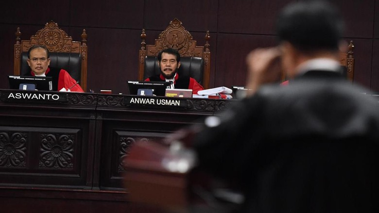 Tim Jokowi Jelaskan Gaji PNS hingga THR yang Diungkit Kubu Prabowo