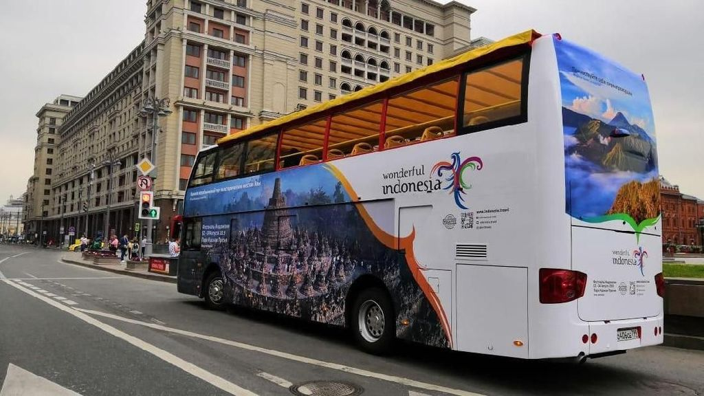 Promosi Wonderful Indonesia Lewat Bus-bus di Moscow dan St Petersburg