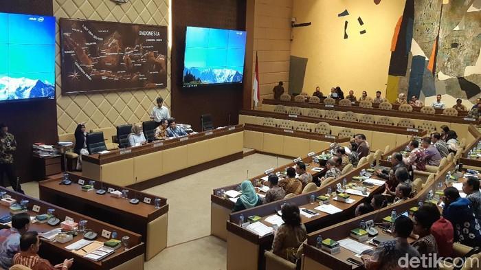 Rapat di Komisi II DPR (Foto: Tsarina Maharani/detikcom)