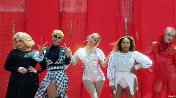 Selain Pelukan dengan Katy Perry, Ada Apa Lagi di Video Taylor Swift?
