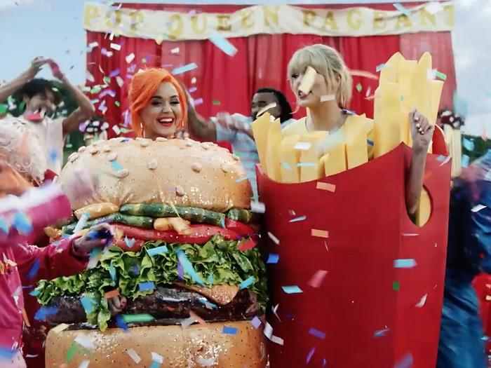 Katy Perry muncul di video klip terbaru Taylor Swift. (Foto: YouTube/Taylor Swift)