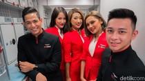 Bidadari AirAsia Mejeng di Paris Air Show