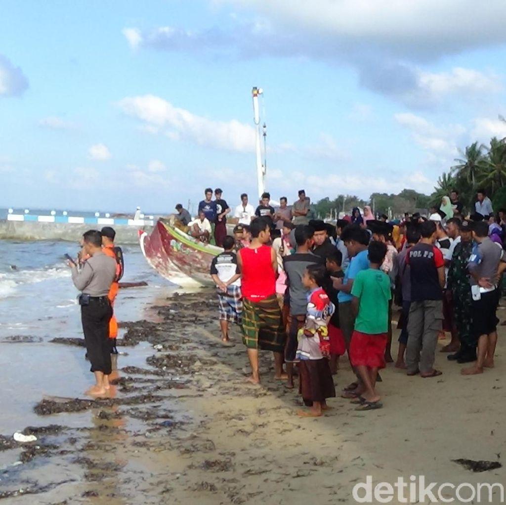 Kesaksian Penumpang dan ABK Saat Kapal Diterjang Ombak Hingga Tenggelam
