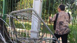 BW Pilih Nyelip Kawat Berduri, untuk ke MK Seharusnya Lewat Mana?