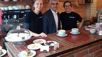 Tak Gubris Sindiran Donald Trump, Walikota London Pilih Sibuk Kerja Sambil Kulineran