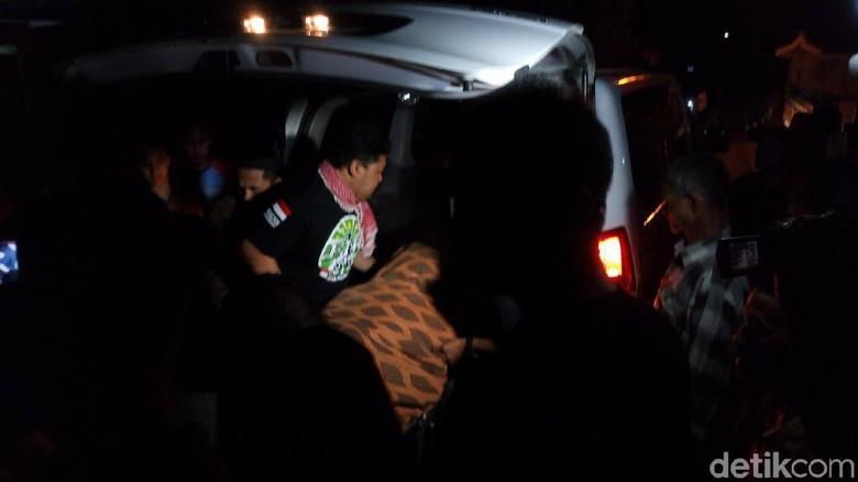 Suasana Haru Sambut Jasad Kernet Bus Korban Laka Tol Cipali Asal Semarang