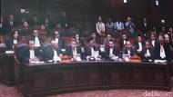 Prabowo Ungkit Kotak Suara Dibuka di Parkiran, KPU: Lokasinya di Mana?