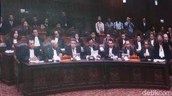 KPU Minta MK Abaikan Gugatan Prabowo-Sandi Versi Perbaikan