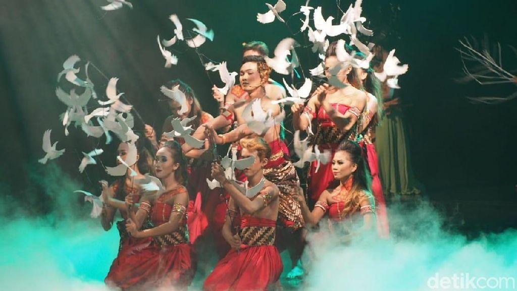 Cerita Koreografer Muda Bathara Saverigadi Eksis Populerkan Drama Wayang