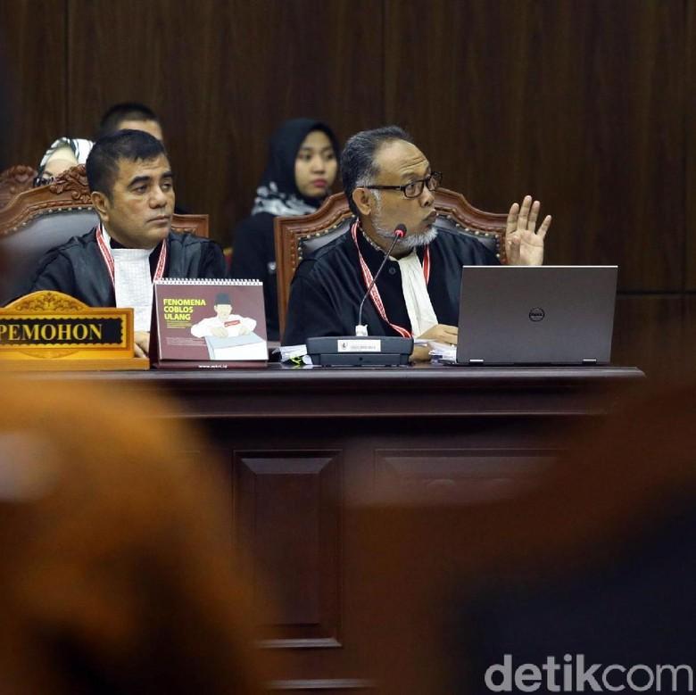 Mengapa Pilih Nyelip Kawat Berduri Dibanding Belakang MK? Ini Kata BW