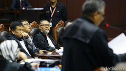 Tak Jadi Hadirkan Saksi Aparat di Sidang MK, BW: Saya Dengar Dia Dipanggil